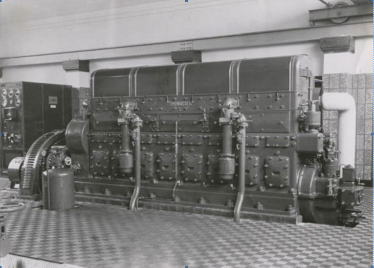 Thomassen engine type 8VO with Smit generator